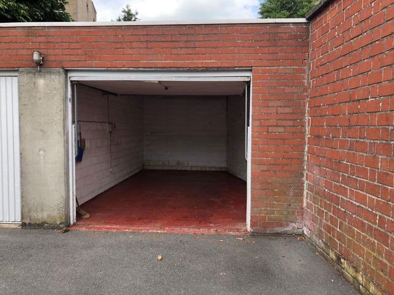 Parking space or garage for sale in Roeselare