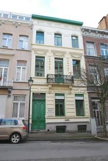 House<span>380</span>m² for rent