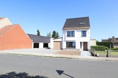 House<span>290</span>m² for rent Desselgem