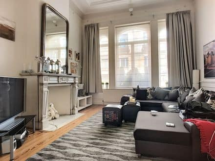 Ground floor flat<span>165</span>m² for rent