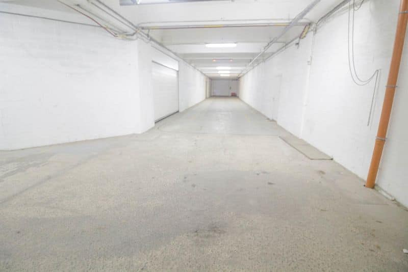 Warehouse for sale in Fontaine L Eveque
