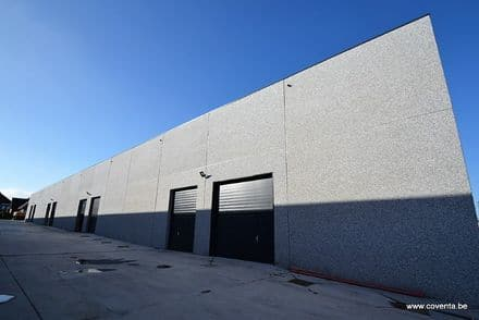 Business<span>178</span>m² for rent