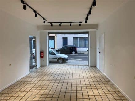 Office or business<span>90</span>m² for rent