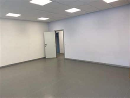 Office or business<span>280</span>m² for rent Charleroi