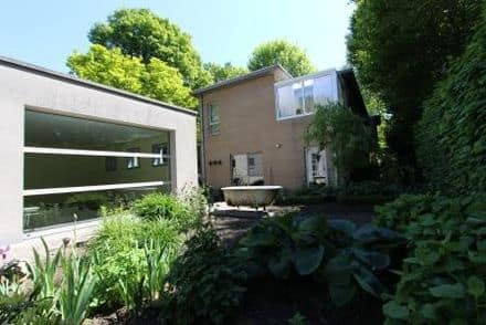 House<span>305</span>m² for rent