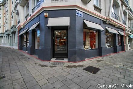 Shop<span>224</span>m² for rent