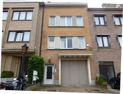 House<span>620</span>m² for rent