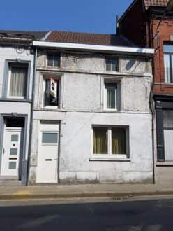 House<span>215</span>m² for rent Peruwelz