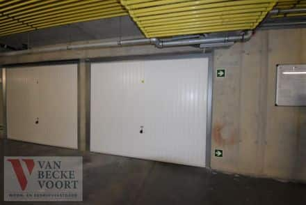 Parking space or garage for rent Bredene