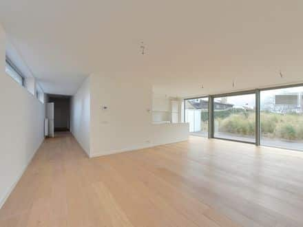 Ground floor flat<span>135</span>m² for rent