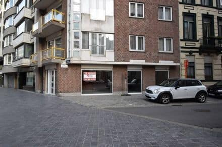 Business<span>100</span>m² for rent