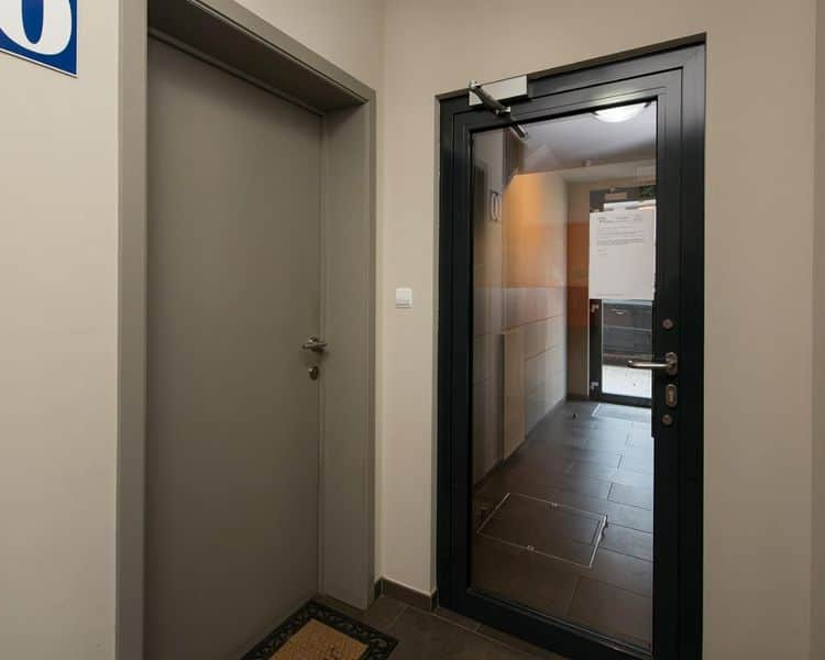Ground floor flat for sale in Court Saint Etienne