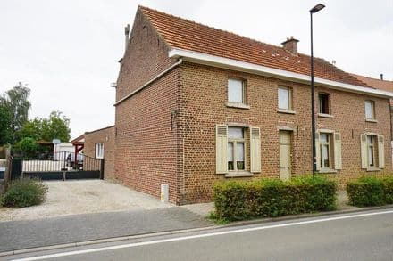 House<span>209</span>m² for rent