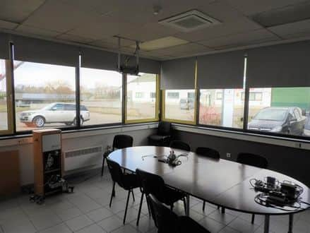 Business<span>2975</span>m² for rent