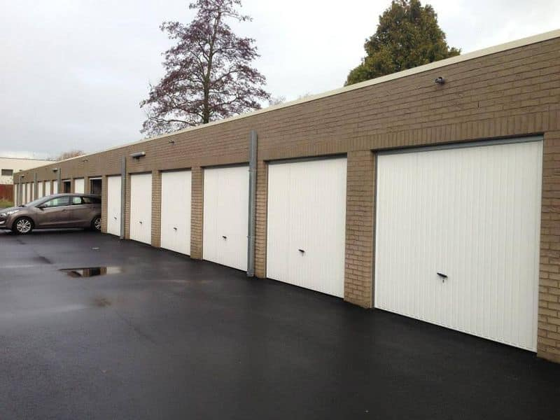 Garage te koop in Eernegem