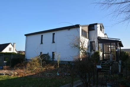 House<span>386</span>m² for rent