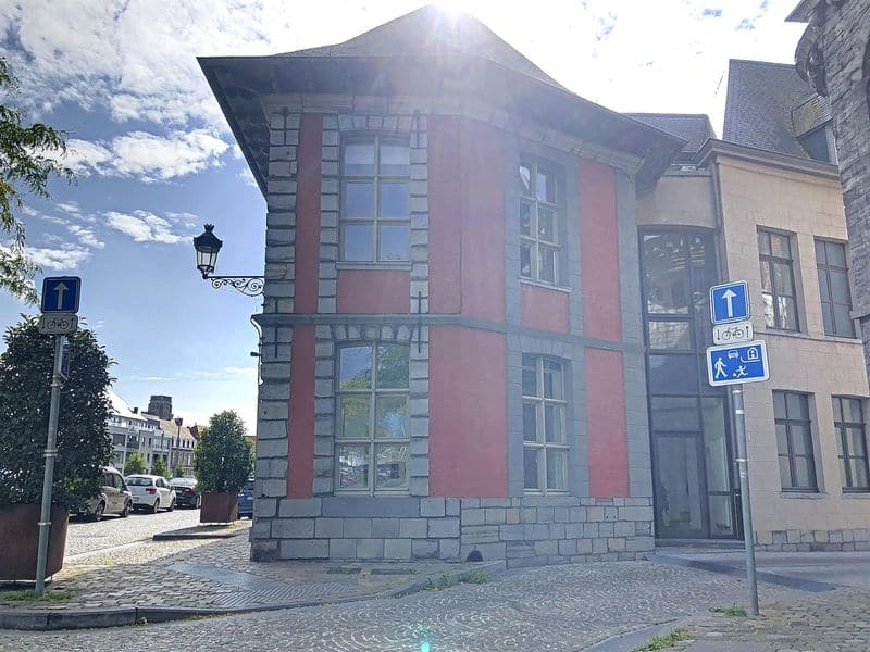 Office or business for rent in Doornik
