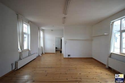 Office<span>84</span>m² for rent