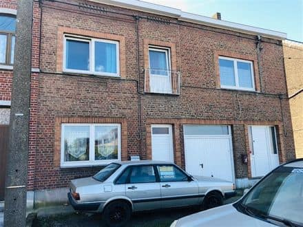 House<span>137</span>m² for rent Courcelles