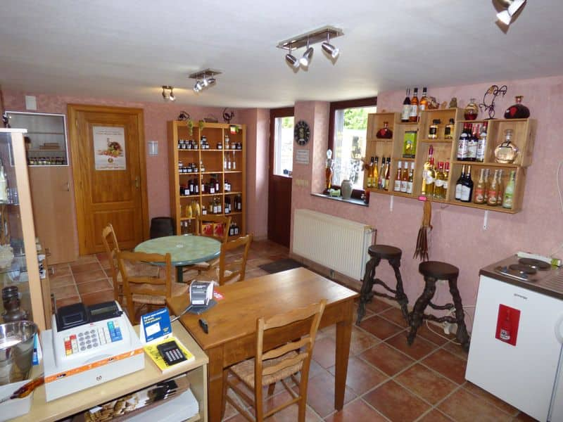 Business for rent in Vodelee