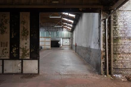 Warehouse<span>966</span>m² for rent