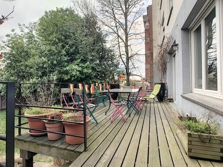 Ground floor flat<span>240</span>m² for rent