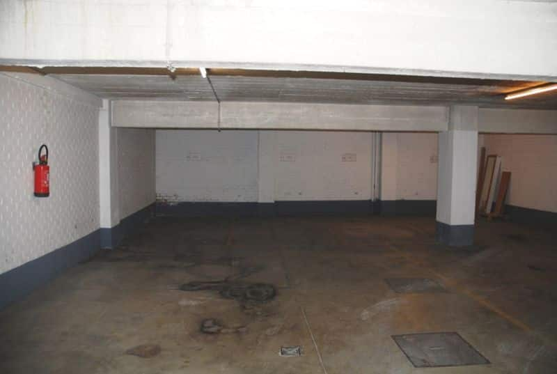 Parking space or garage for rent in Brussels