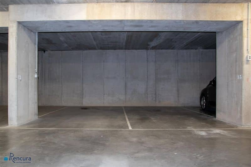 Parking space or garage for rent in Deinze