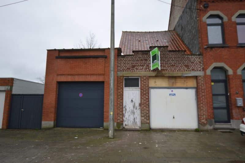 Parking space or garage for sale in Ronse