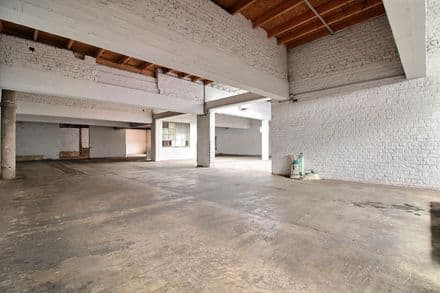 Warehouse<span>956</span>m² for rent