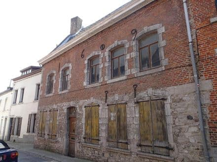 House<span>295</span>m² for rent Fontaine L Eveque
