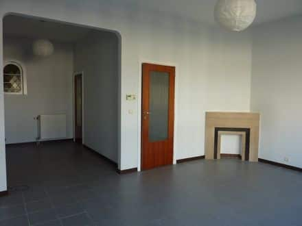Investment property<span>304</span>m² for rent