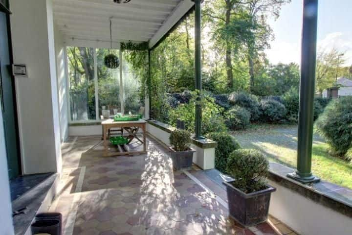 Villa for sale in Linkebeek