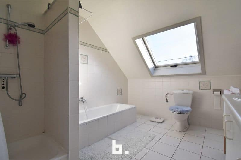 House for sale in Schellebelle