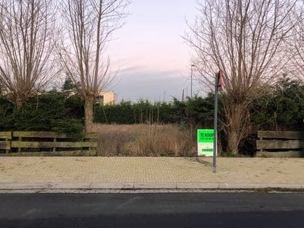 Land<span>513</span>m² for rent