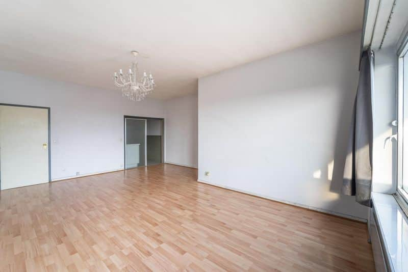 Studio flat for sale in Ukkel