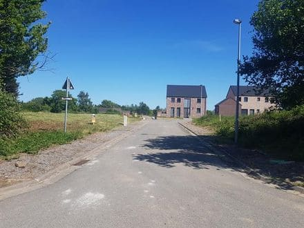 Land<span>690</span>m² for rent Ohey