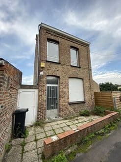 House<span>82</span>m² for rent Dour