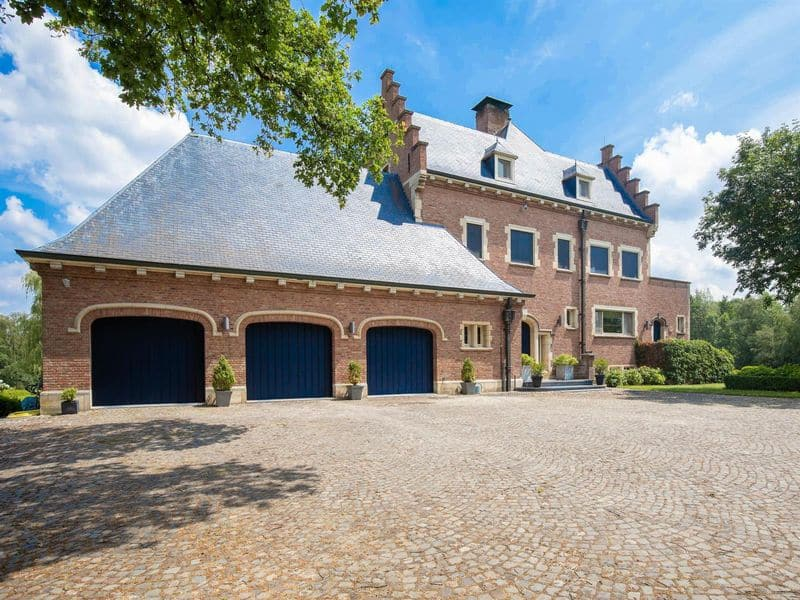 Farmhouse for sale in Beerse