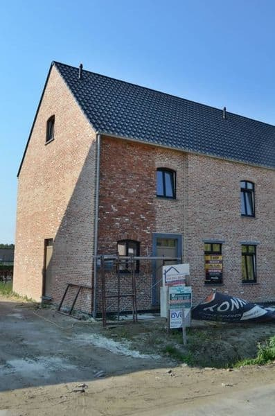 House for sale in Olmen