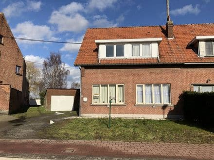 Semi-detached house<span>146</span>m² for rent