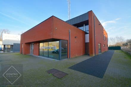 Industrial building<span>1020</span>m² for rent