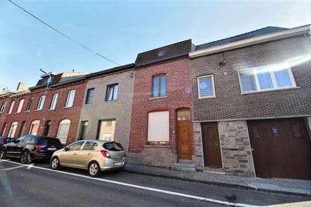 House<span>149</span>m² for rent Luingne