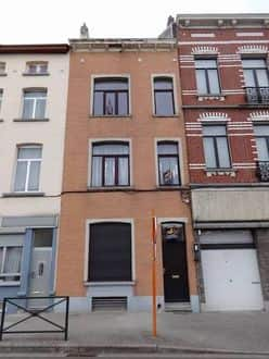 House<span>202</span>m² for rent