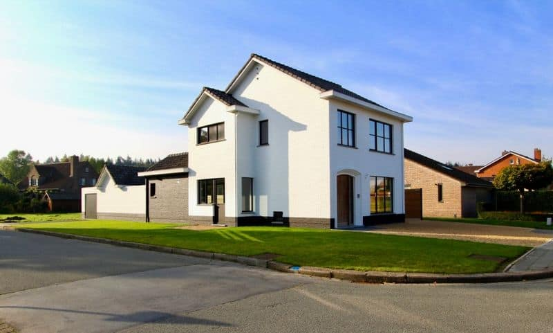 Villa for sale in Oostkamp