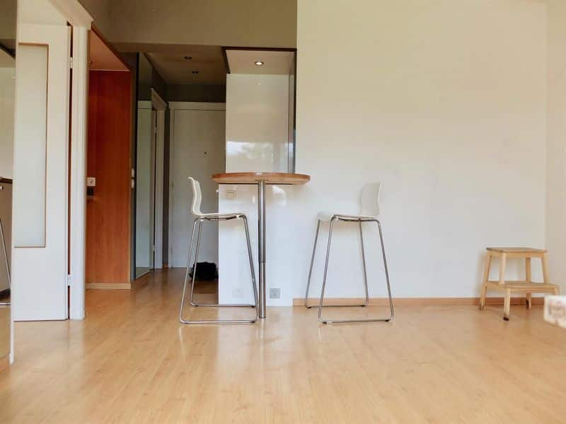 Studio flat for sale in Laken