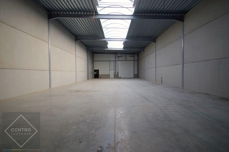 Industrial building for rent in Lichtervelde