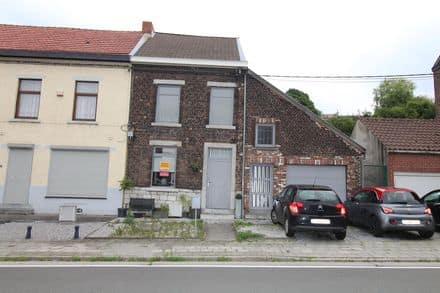 House<span>166</span>m² for rent Bouffioulx