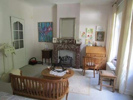 House<span>285</span>m² for rent