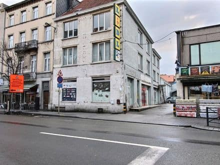 Shop<span>860</span>m² for rent